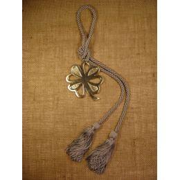 Γούρι - Μεταλλικό Τετράφυλλο Τριφύλλι με Κορδόνι
