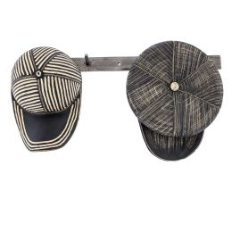 Επιτοίχιο Διακοσμητικό, Κεραμικό Σετ Καπέλα σε Κρεμάστρα - Τραγιάσκα & Τζόκεϋ, Μαύρα